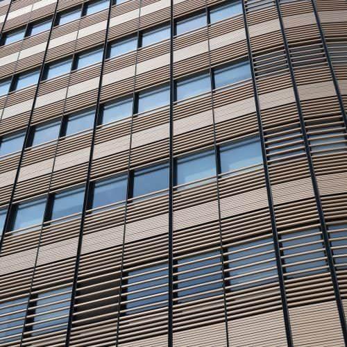 brussels-facade-okv5ppq7r4revewa99szmlosdxekx2zcx9fl9cfl3c-min